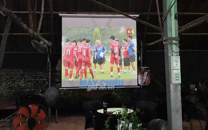 Lắp đặt máy chiếu Optoma PX390 xem AFF Cup 2018 tại TpHCM