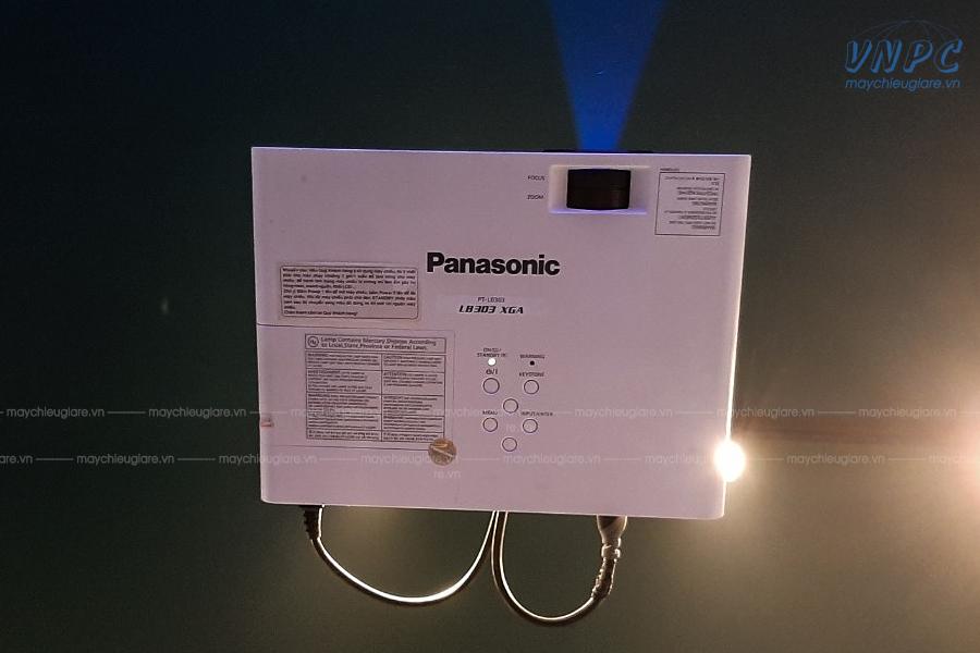 VNPC lắp đặt máy chiếu Panasonic PT-LB303