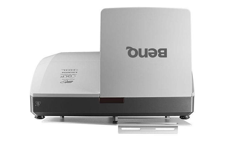 Máy chiếu BenQ MW855UST siêu gần với công nghệ tương tác mới