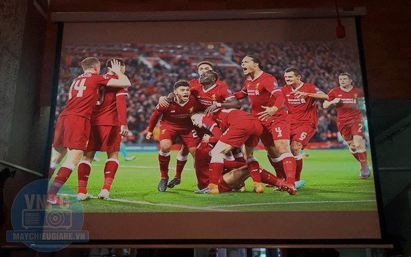 Lắp đặt máy chiếu bóng đá K+ cho quán Cafe Fuji