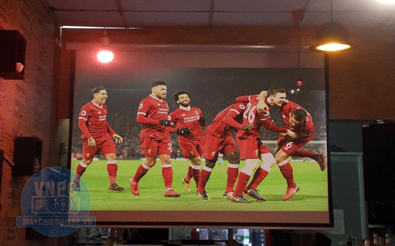 Lắp đặt máy chiếu bóng đá K+ cho quán Cafe tại TpHCM