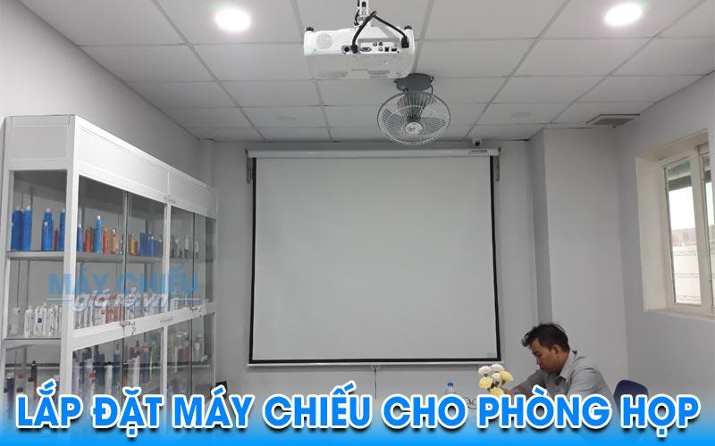 Lắp máy chiếu cho văn phòng phục vụ hội họp công ty