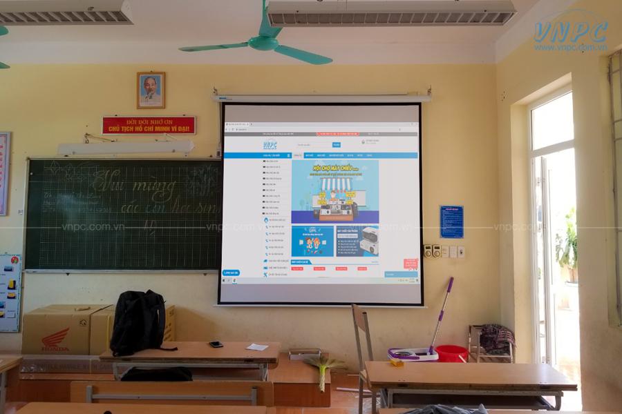 Lắp máy chiếu Optoma PX390 dùng dạy học tại Trường tiểu học Võng La