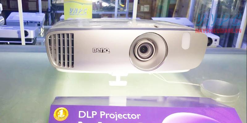 Máy chiếu phim HD 3D dành cho gia đình BenQ W1110