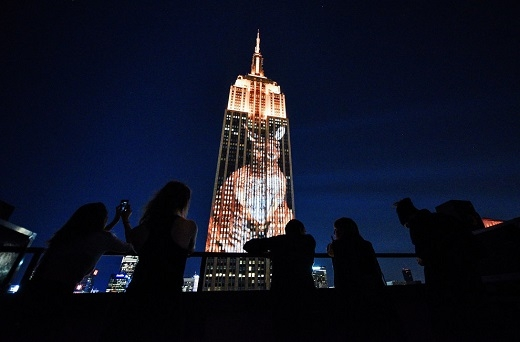Màn trình chiếu đầy ấn tượng trên Tòa nhà ở New York
