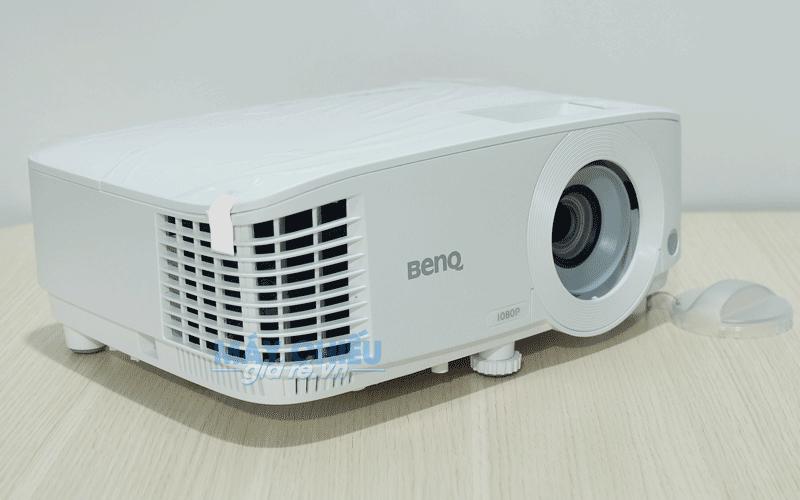 Máy chiếu BenQ MH733 công nghệ DLP độ sáng cao
