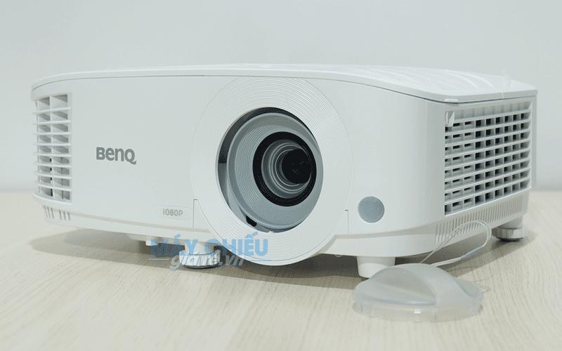 Máy chiếu BenQ MH733 công nghệ DLP độ phân giải Full HD