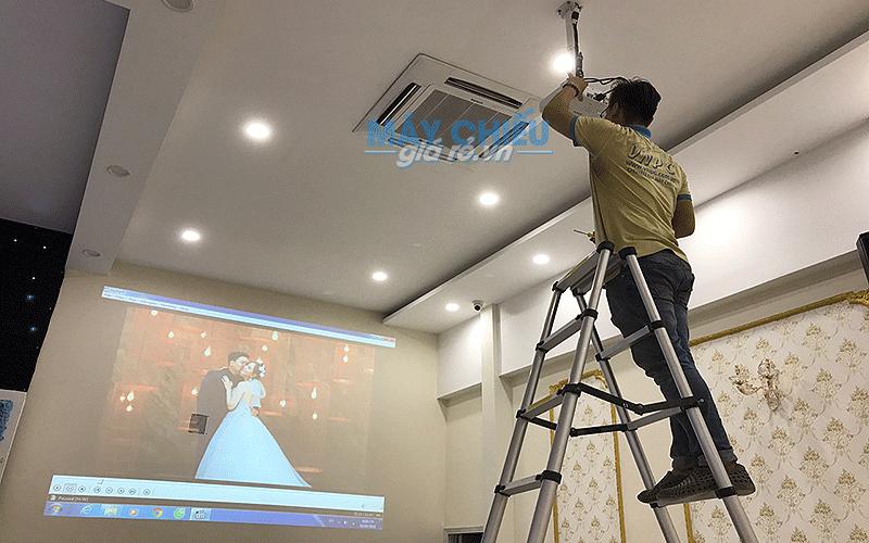 VNPC lắp đặt trọn bộ máy chiếu cho nhà hàng tiệc cưới Valentine's