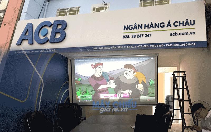 Lắp đặt máy chiếu cho phòng họp tại văn phòng ngân hàng ACB