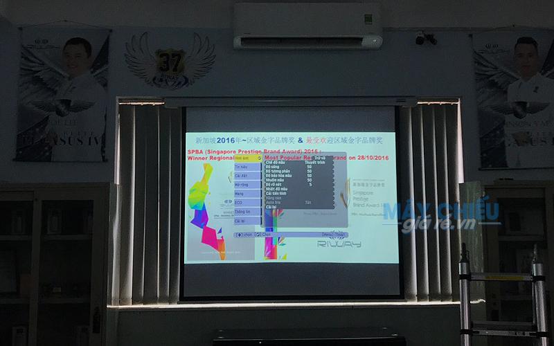Lắp đặt máy chiếu Epson EB-X41 phục vụ nhu cầu thuyết trình, trợ giảng