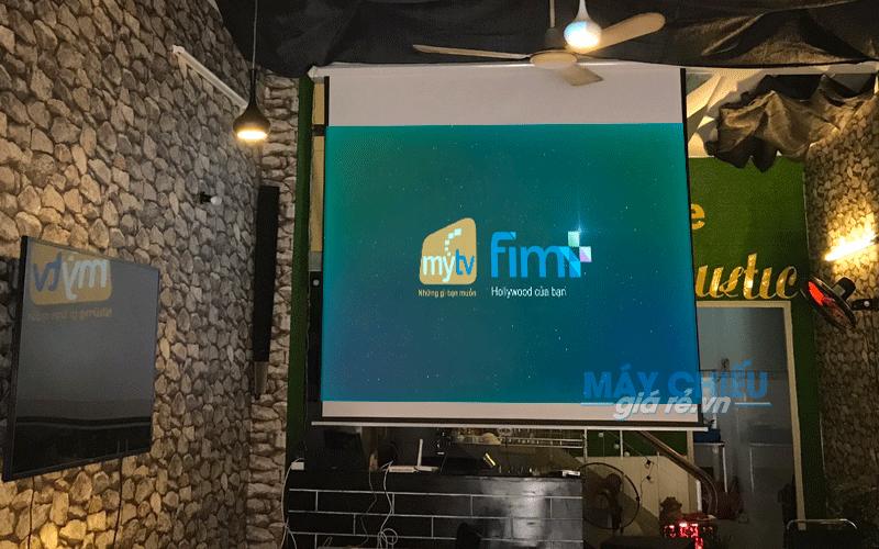 Lắp đặt máy chiếu Full HD 1080p cho quán cà phê bóng đá K+ tại TpHCM