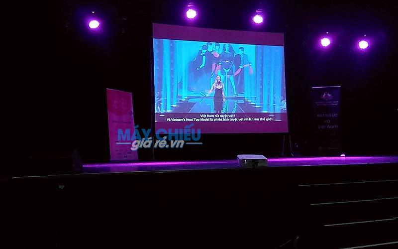 Cho thuê màn chiếu sân khấu giá rẻ tại TpHCM, Hà Nội