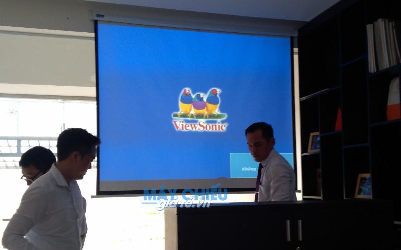 Lắp đặt máy chiếu ViewSonic PJD515 cho công ty NASALAND tại TpHCM