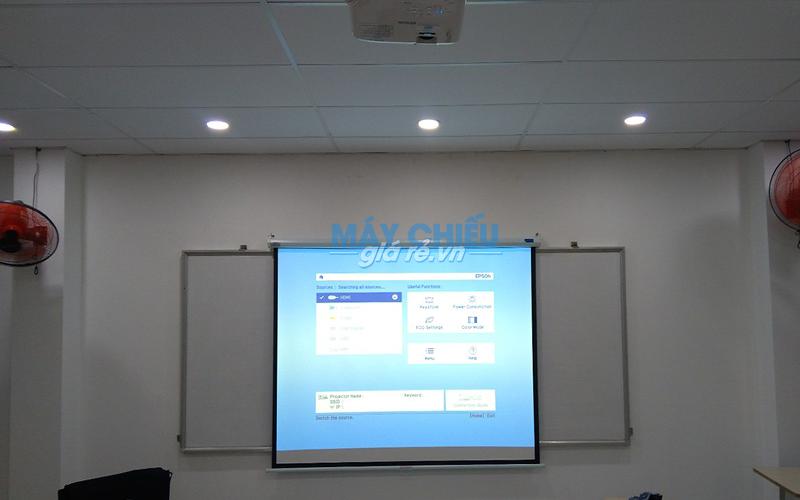 Lắp đặt máy chiếu Epson EB-X05 và màn chiếu cho Trường Cao Đẳng Dược Sài Gòn