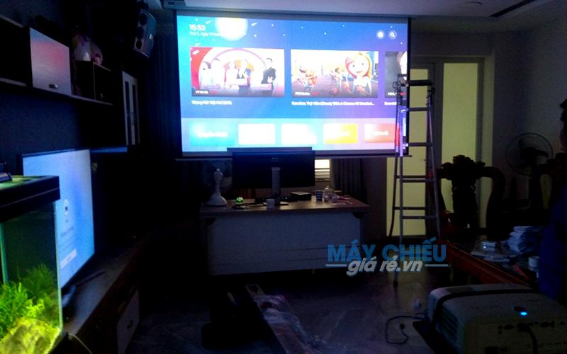 Lắp máy chiếu 4K cho phòng phim gia đình giá rẻ tại TpHCM