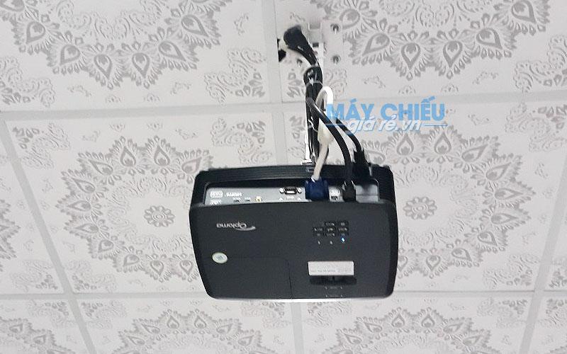 Lắp đặt máy chiếu cho quán ăn Vườn Dừa tại Long An