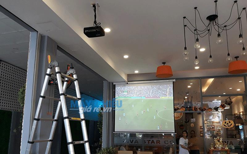 Lắp đặt máy chiếu xem AFF Cup tại Viva Star Coffe TpHCM