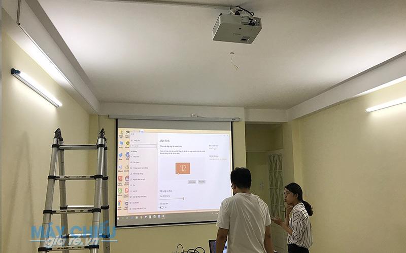 Lắp đặt máy chiếu Sony VPL-DX221 cho phòng họp chuyên nghiệp