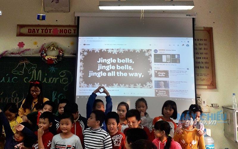 Lắp đặt máy chiếu cho trường tiểu học Thịnh Liệt Hoàng Mai Hà Nội