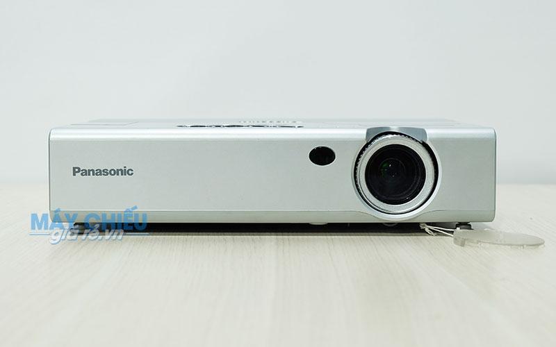 Máy chiếu cũ Panasonic PT-LB10 thiết kế nhỏ gọn chính hãng Nhật