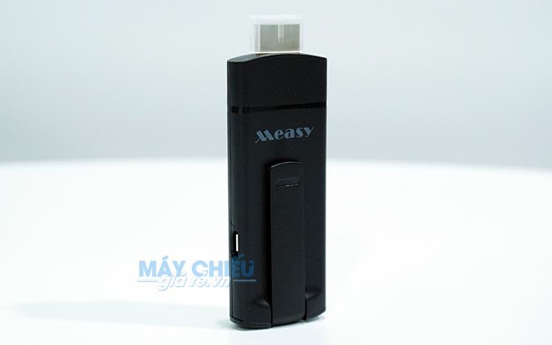 Ezcast Measy A2W dùng kết nối điện thoại với máy chiếu qua Wifi