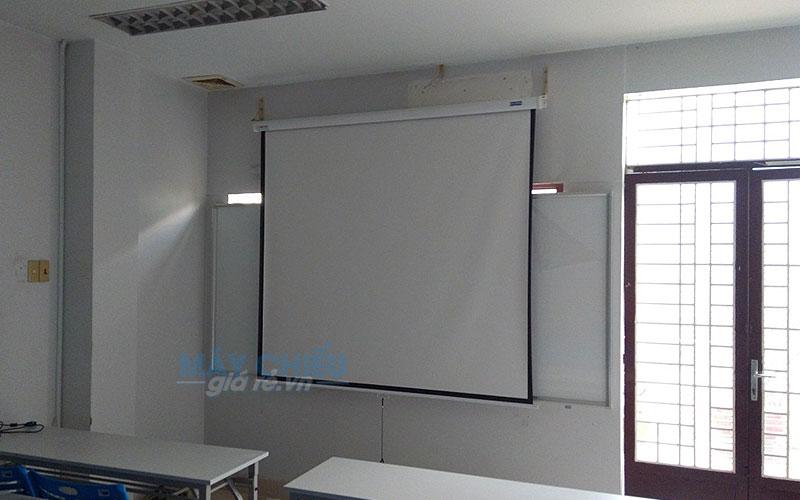 Lắp đặt màn chiếu cho lớp học chuyên nghiệp