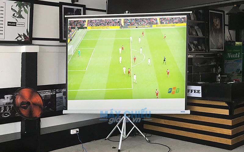 Trọn bộ máy chiếu bóng đá cho quán cafe vỉa hè chỉ từ 8 triệu đồng