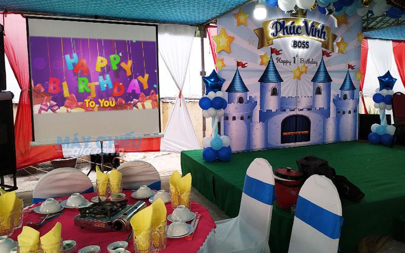 VNPC cung cấp máy chiếu cho thuê phục vụ tổ chức sinh nhật, liên hoan