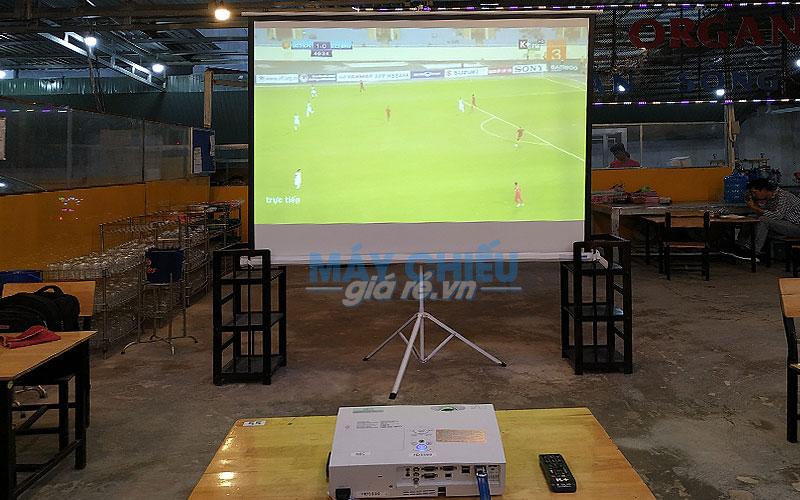 Trọn bộ máy chiếu xem bóng đá Full HD cung cấp bởi VNPC