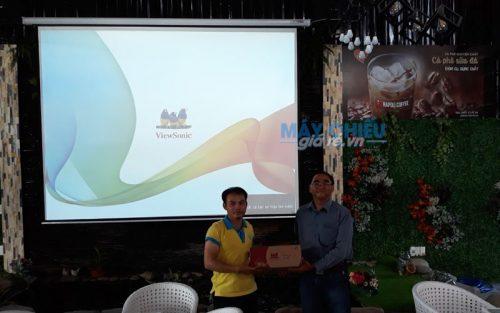 Bộ máy chiếu ViewSonic PA502X cho quán cafe Napoli cung cấp bởi VNPC