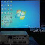 Bộ máy chiếu và màn khung kích thước lớn phục vụ hội thảo cung cấp bởi VNPC