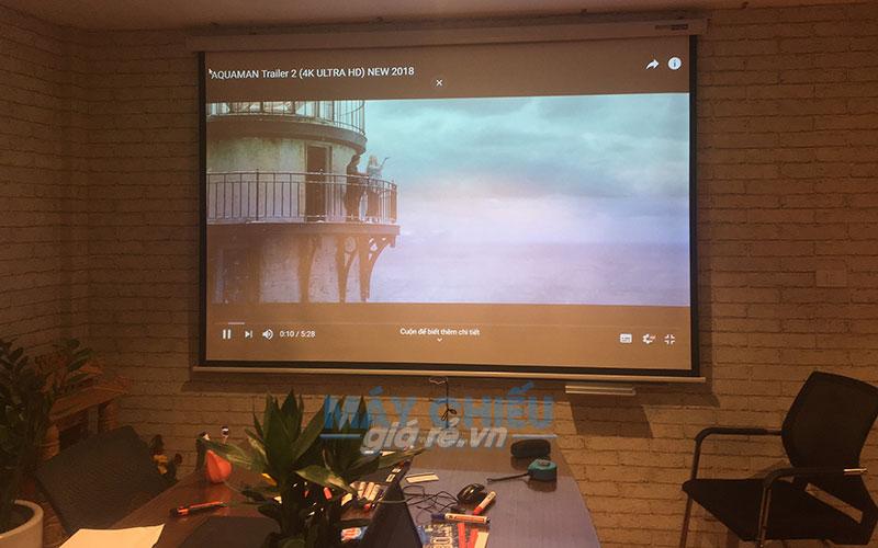 Optoma PW450 phục vụ tốt cho cả nhu cầu hội họp vẫn giải trí phim gia đình
