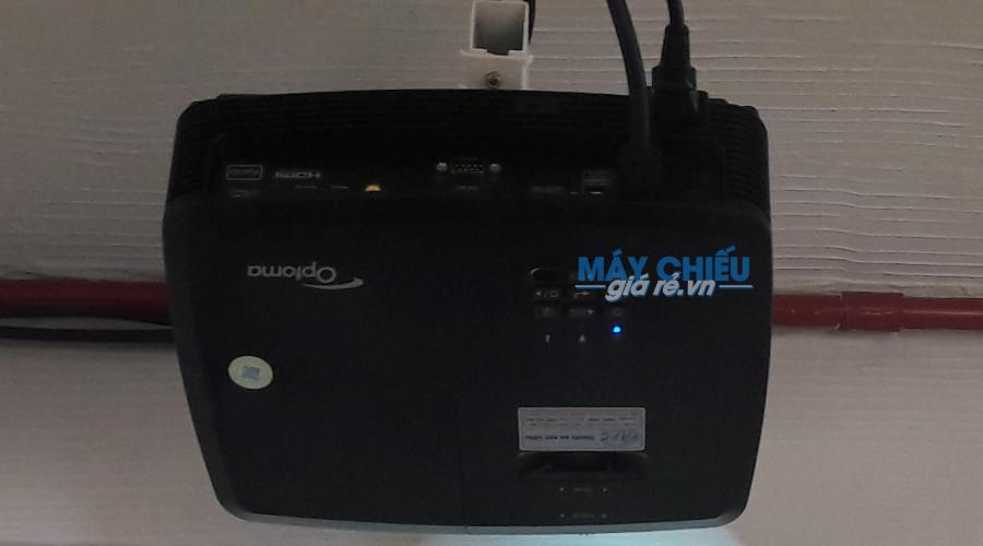 Lắp đặt máy chiếu Optoma PS368 treo trần cố định
