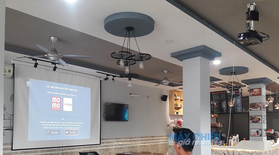 Máy chiếu HD Optoma PW450 độ sáng cao giúp chiếu tốt cả ban ngày
