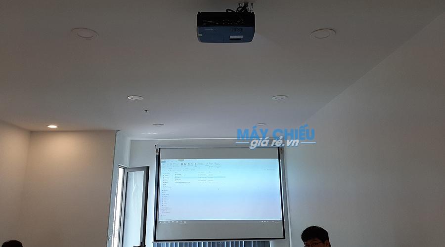 PX390 phù hợp cho những không gian phòng họp vừa và nhỏ