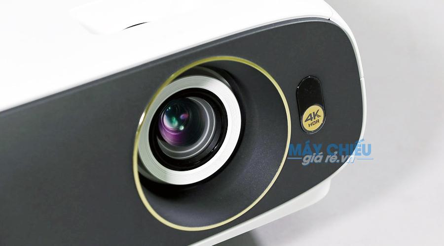 Máy chiếu 4K BenQ W3500 sở hữu thiết kế hiện đại
