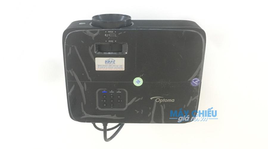 Lắp máy chiếu Optoma PW450 trên trần cố định