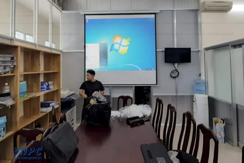 Lắp đặt máy chiếu Optoma EH336 cho văn phòng