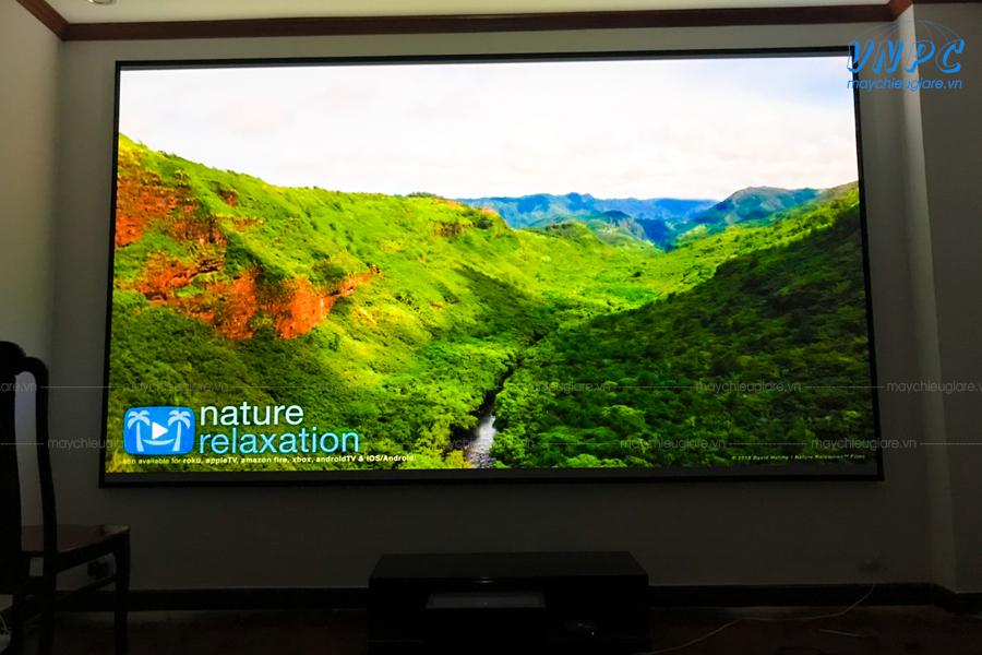 Lắp đặt màn chiếu khung cố định 150 inch cho phòng phim gia đình