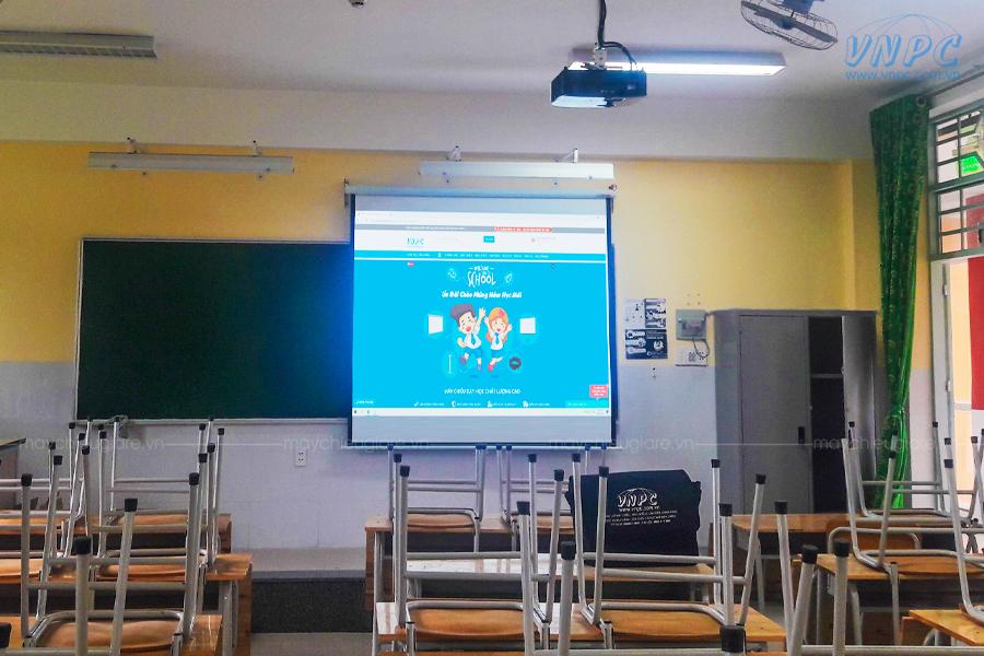 Lắp Optoma PS368 dùng dạy học tại THCS Nguyễn Văn Trỗi