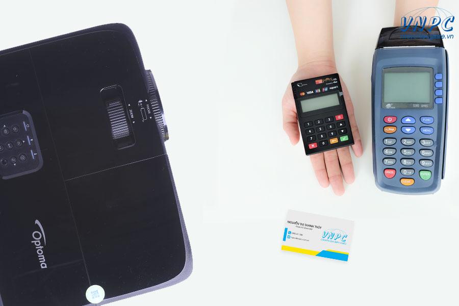 Mua máy chiếu trả góp bằng thẻ tín dụng