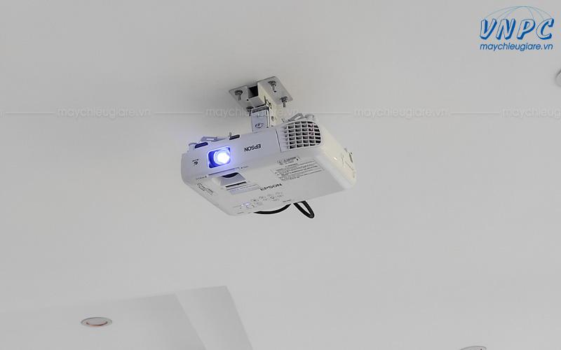 VNPC lắp đặt máy chiếu Epson EB-X05 tại văn phòng Công ty Person Life