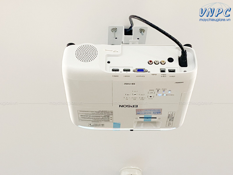 lắp đặt máy chiếu Epson FH52 tại văn phòng Công ty TELIN
