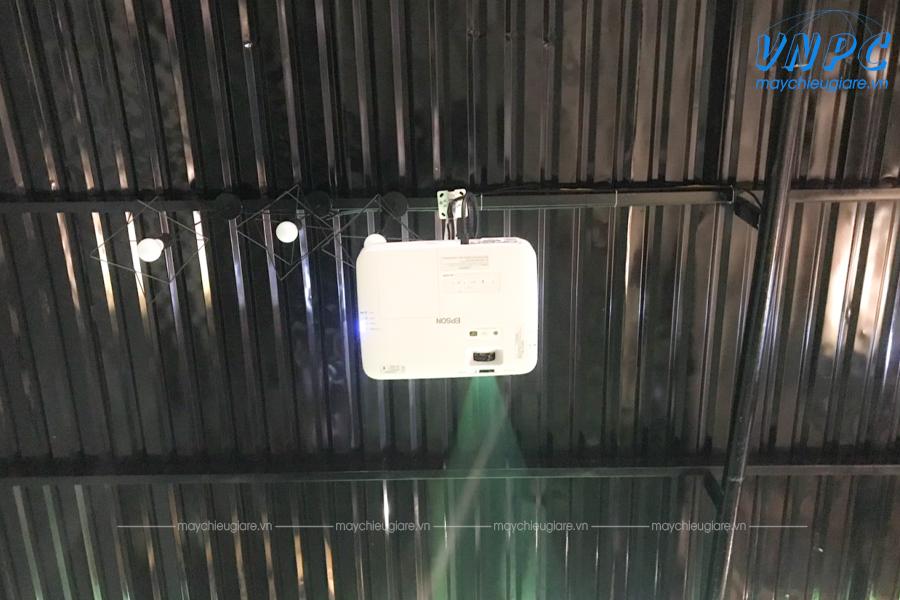 Lắp đặt máy chiếu Epson EB-2155W tại Napoli Coffee Bình Dương