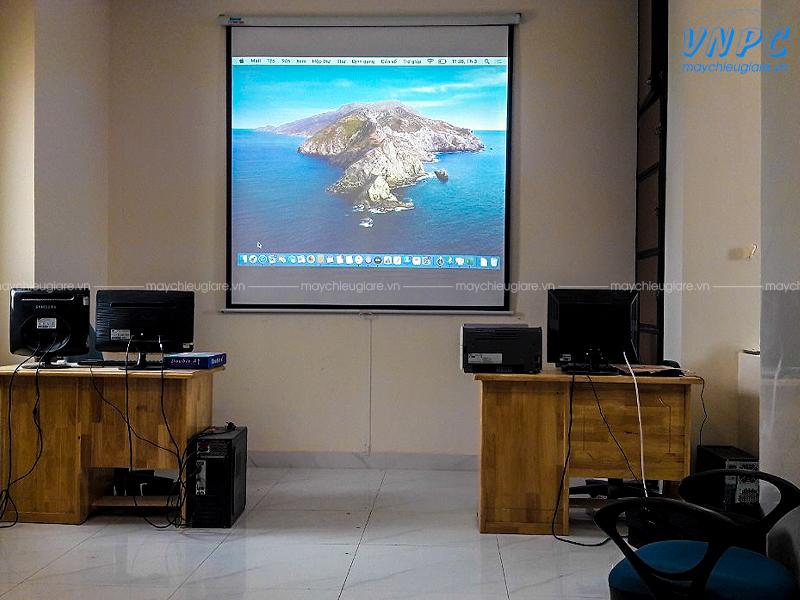 """Lắp máy chiếu Optoma PS368 & màn chiếu 100"""" tại Cty BĐS Trọng Tín"""