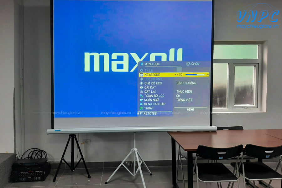 Lắp đặt 2 bộ máy chiếu Maxell MC-EX403E & MC-EX303E